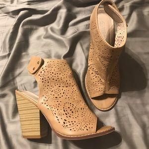 Shoes - Tan faux leather shoes